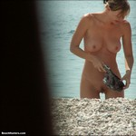 Porn Pictures - BeachHunters.com - Nudist On Beaches