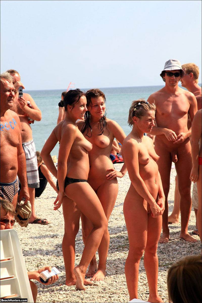 Does Nude beach around the world something is